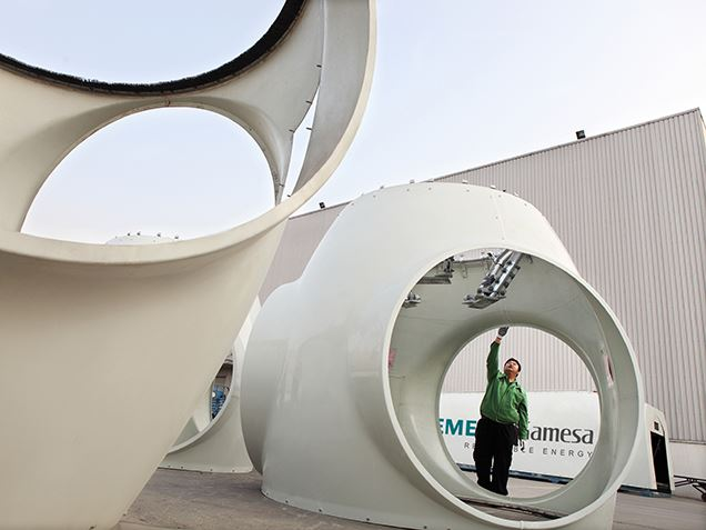Wind turbine nacelle factory